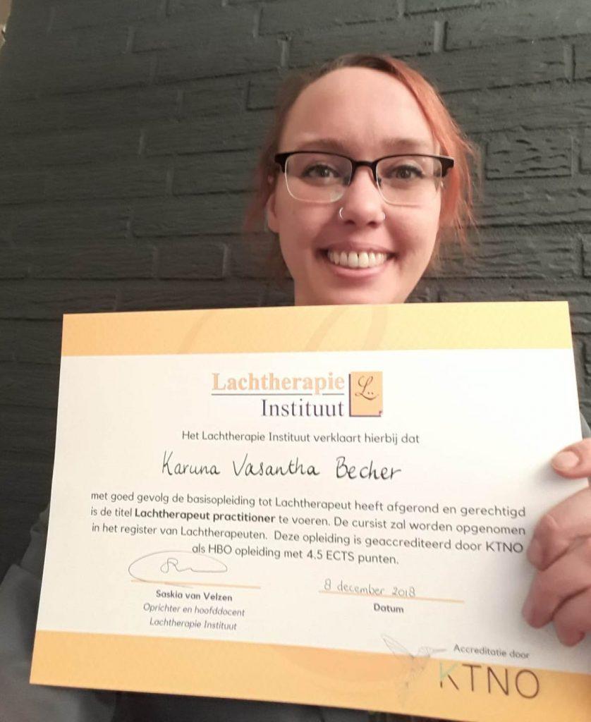 Afgestudeerd als lachtherapeute